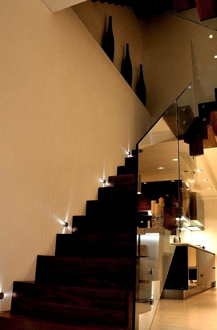 Queens Gardens Staircase With Glass Balustrade